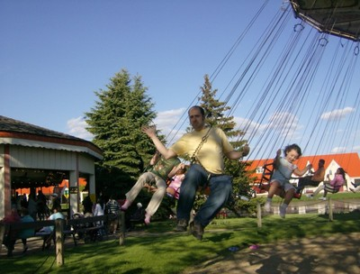 dutch village swinging